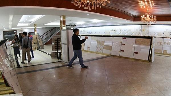 危险!1月15日发现某小区电梯口瓷砖大面积脱落,险砸三岁娃....