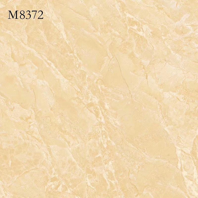 M8372